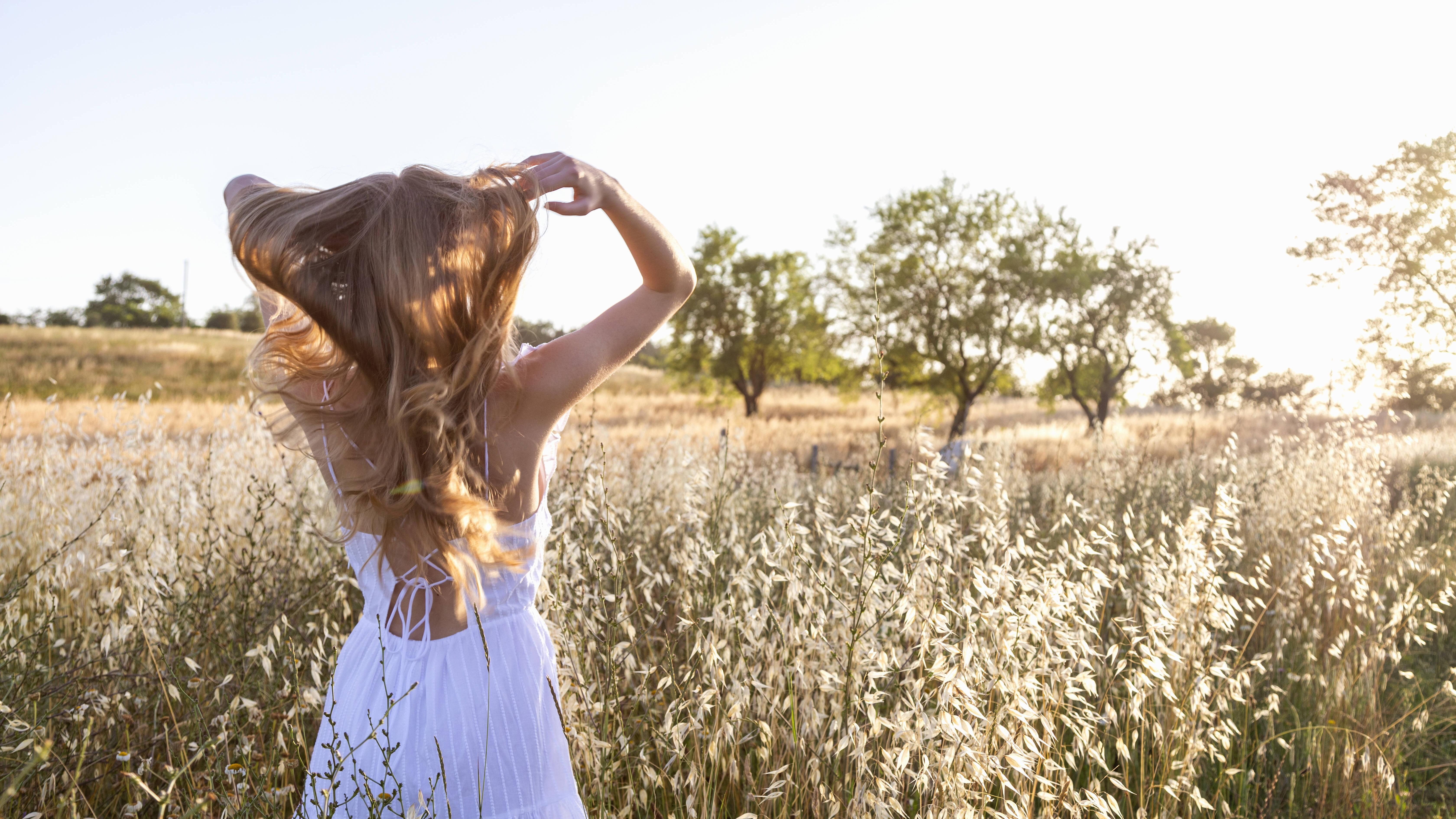 Wie schnell wachsen Haare im Monat? Alle Infos
