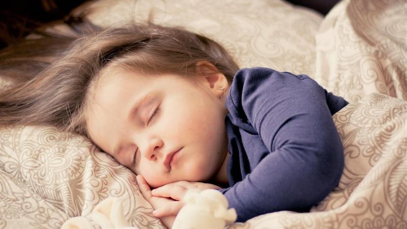 Die 18-Monats-Schlafregression ist eine Entwicklungsphase Ihres Kindes.