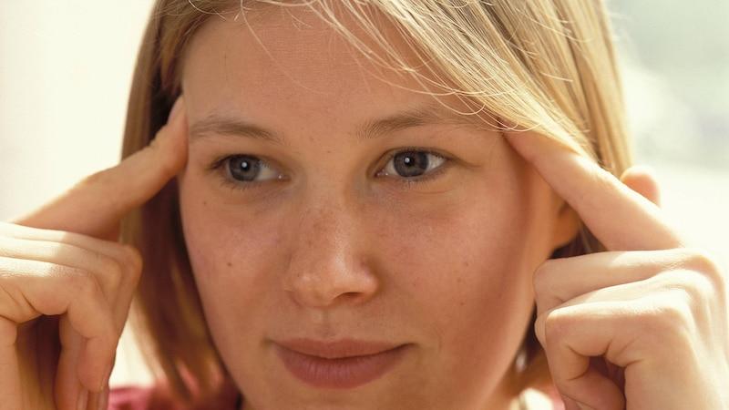 Akupunktur ist eine sanfte und wirkungsvolle Methode zur Selbstbehandlung bei Kopfschmerzen.