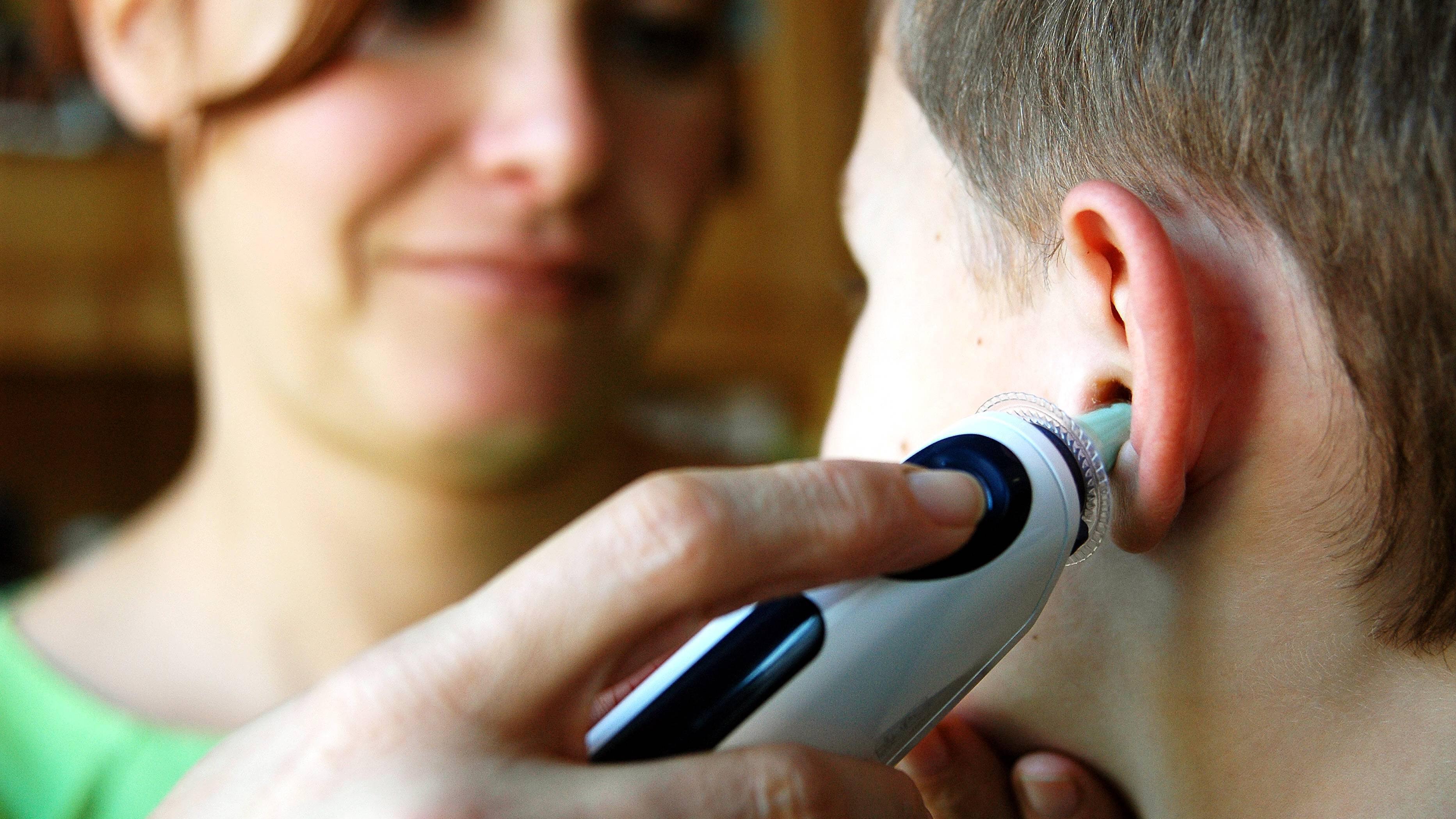 Kind atmet schnell und hat Fieber - Gründe und was Sie tun sollten