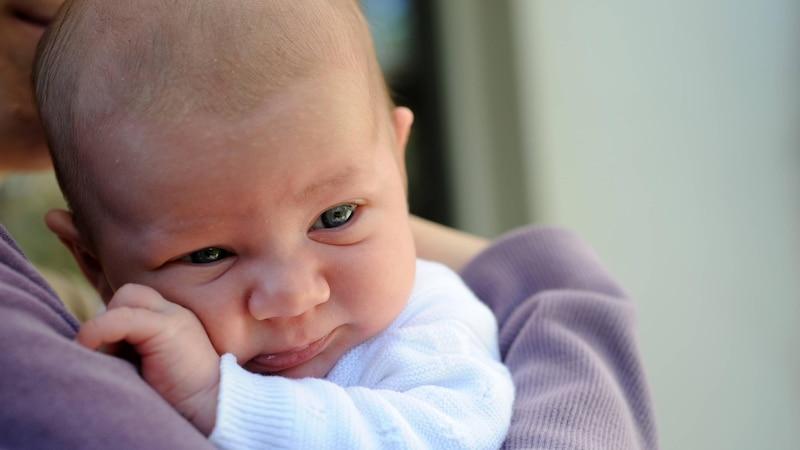 Haut und Haare beim Baby: Hautfarbe ändert sich - Alle Infos