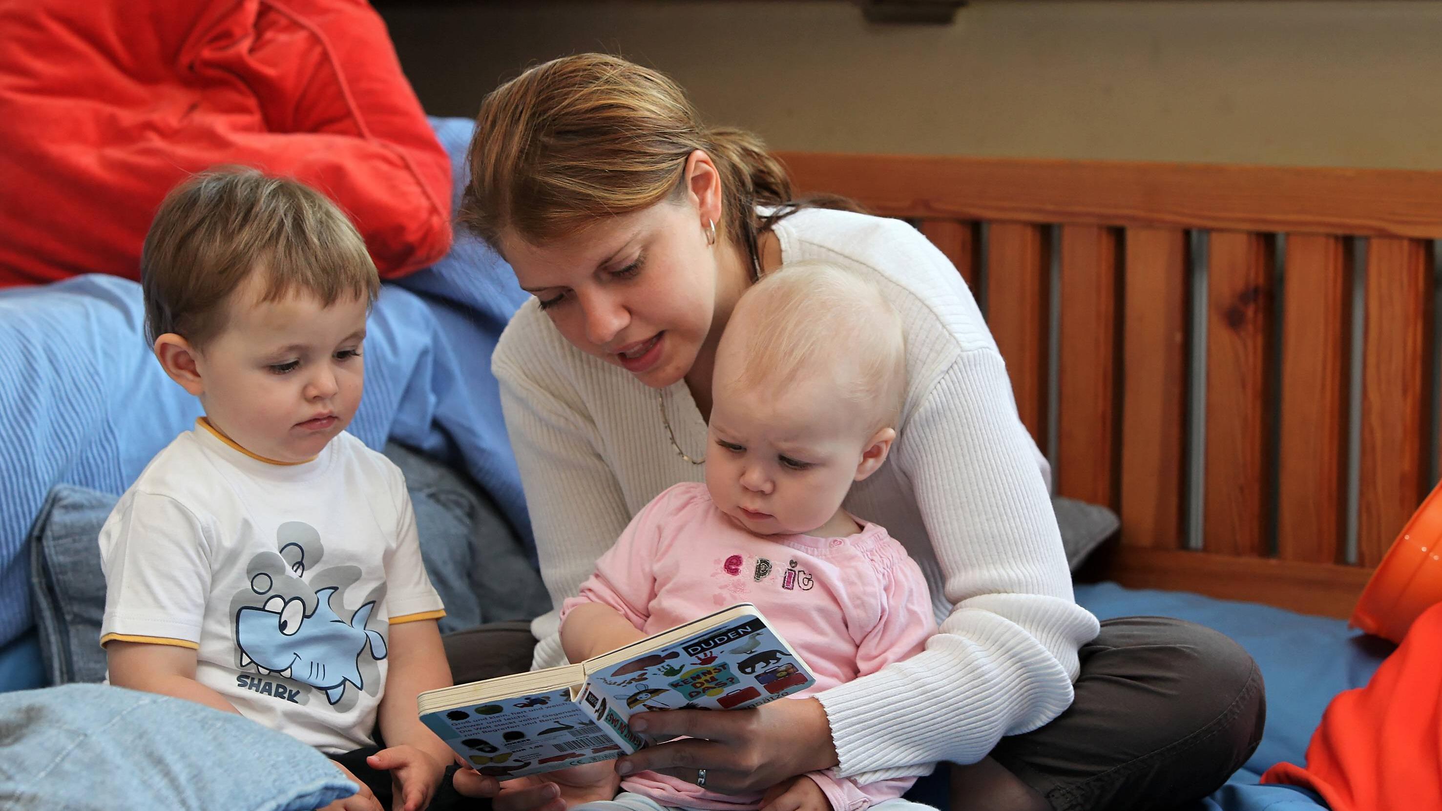 Ab wann können Sie Ihrem Baby vorlesen?