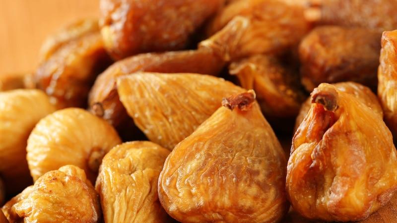 Getrocknete Feigen fördern die Verdauung und wirken bei Verstopfungen als natürliches Abführmittel.