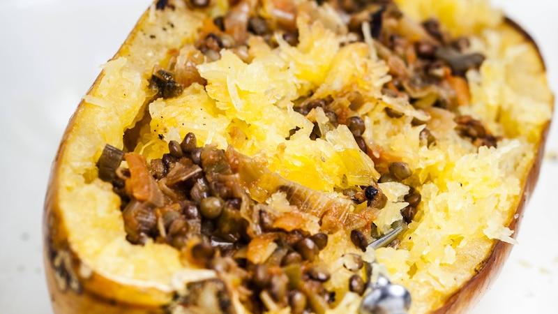Spaghettikürbis in der Mikrowelle zubereiten: Einfach, schnell und lecker