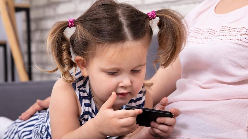 Haarausfall bei Kindern: Ursachen und was Sie tun können