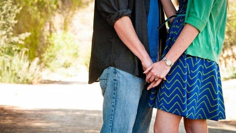 Fragen, um sich zu verlieben - eine Garantie dafür, dass das Fragenstellen wirklich zum Verlieben führt, gibt es natürlich nicht.