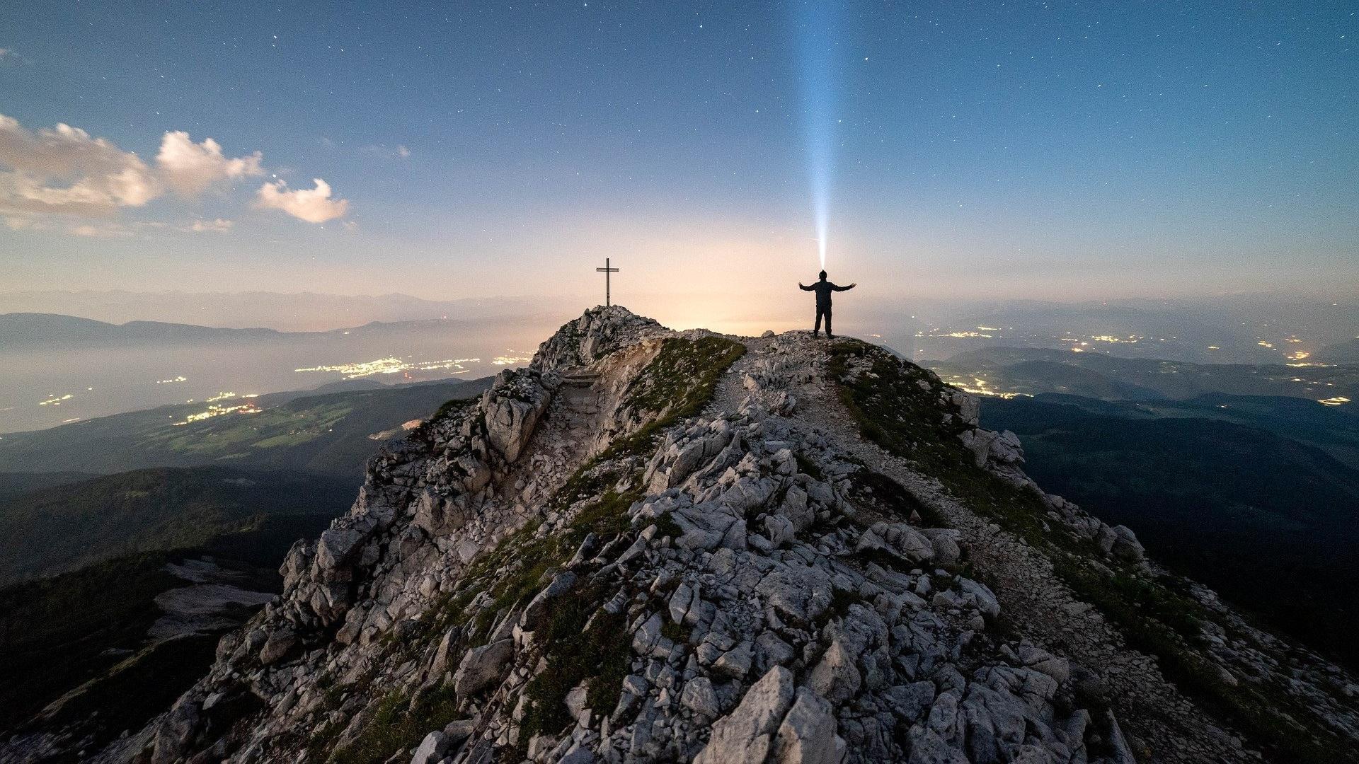 Glaube kann Berge versetzen: Bedeutung und Herkunft der Redewendung