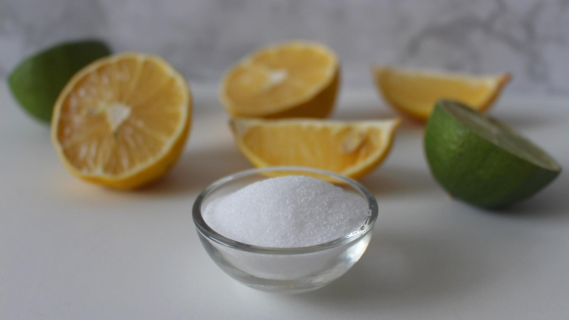 Ihre Waschmaschine können Sie mit flüssiger Zitronensäure und Zitronensäure-Pulver reinigen.