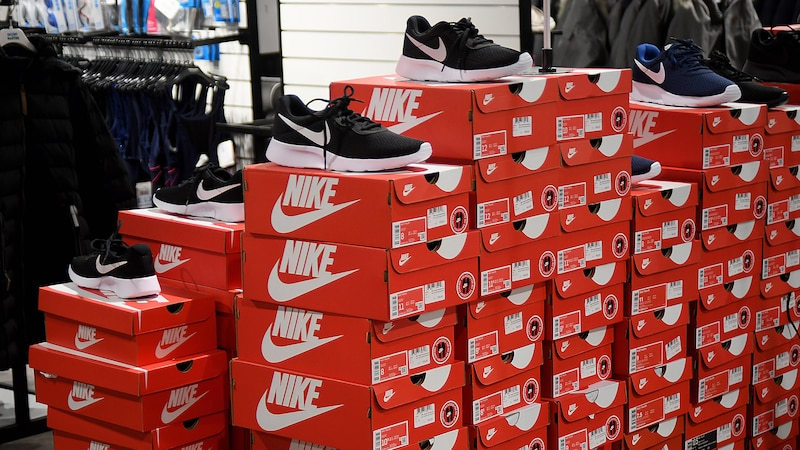 Wie fallen Nike Schuhe aus? Größentabelle & Schuhgröße