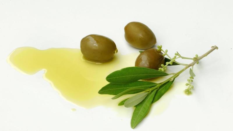 Olivenöl trinken: Diese Wirkung hat es auf Ihre Gesundheit