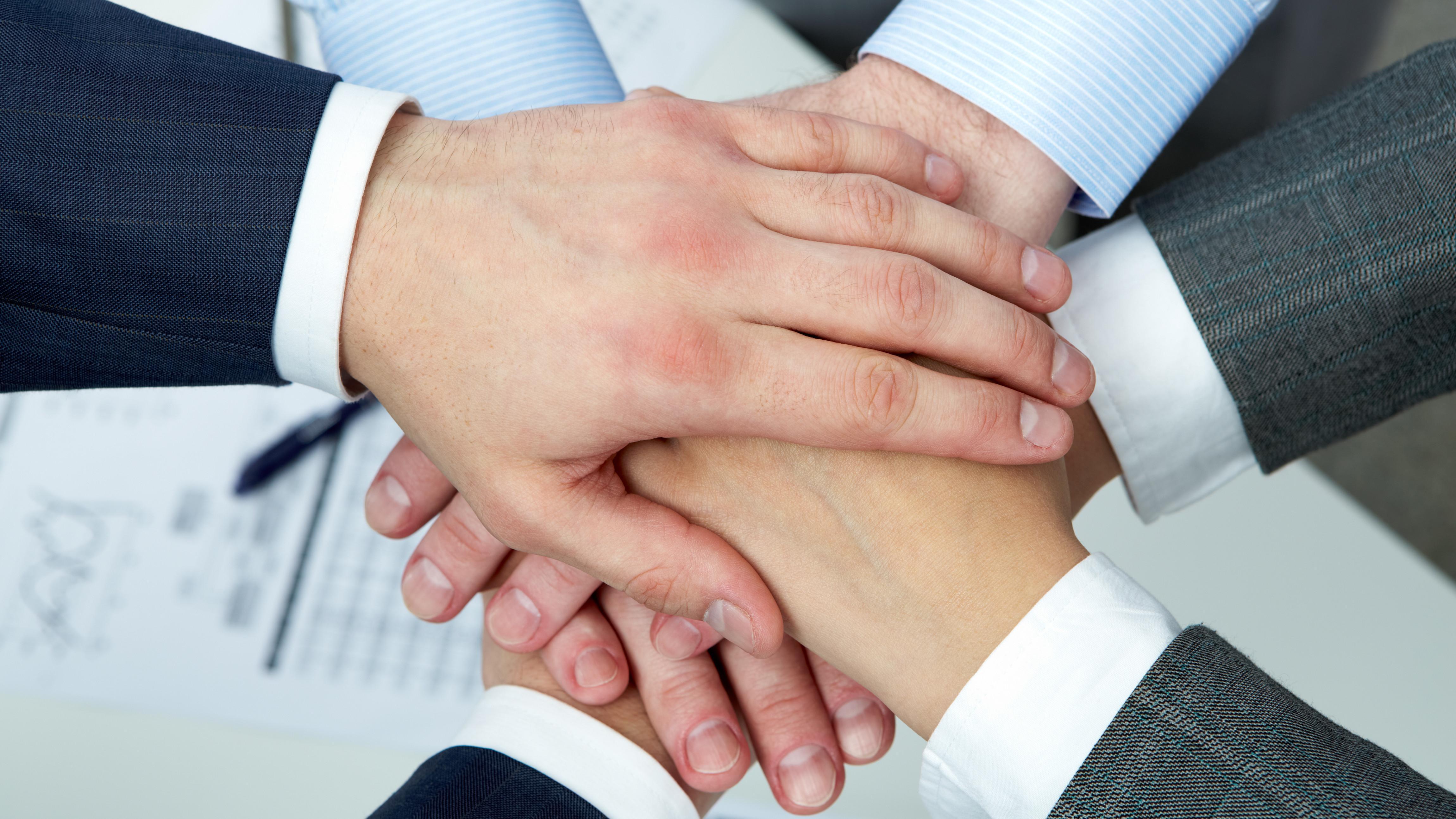 Wertschätzender Umgang: 7 Tipps für mehr Respekt für Sie und Ihre Mitmenschen