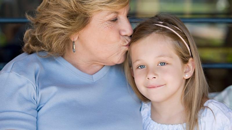 Oma will Mutterrolle übernehmen: So lösen Sie das Problem.