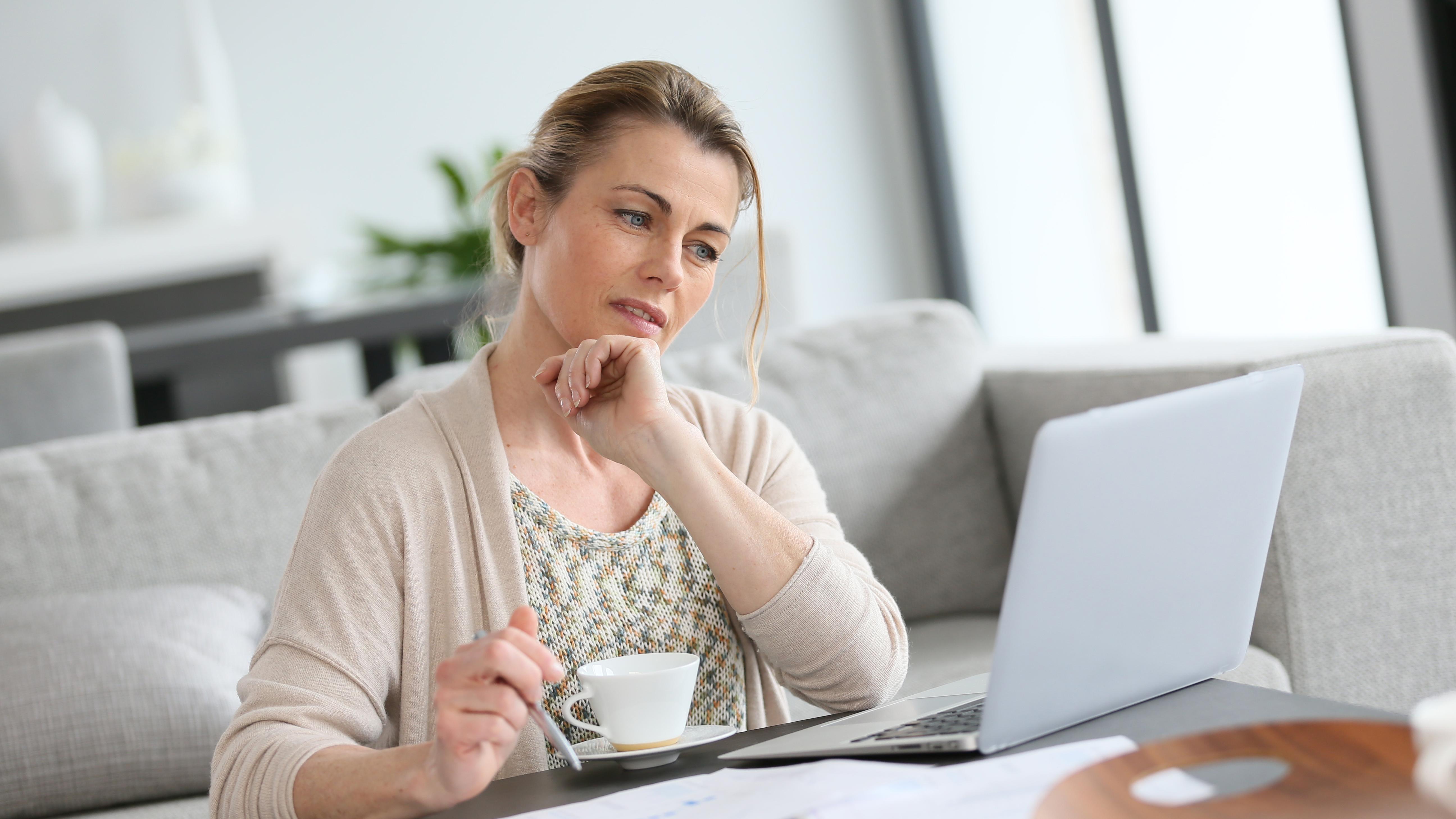 Umschulung mit 50: Tipps für die berufliche Neuorientierung