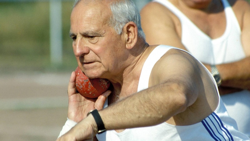 Treiben Sie regelmäßig Sport um die Gesundheit im Alter zu erhalten.