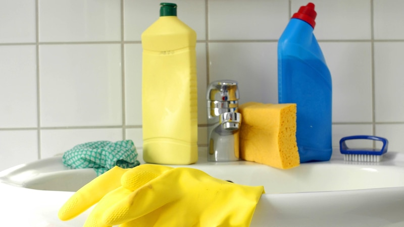 Machen Sie einen Badreiniger selber.