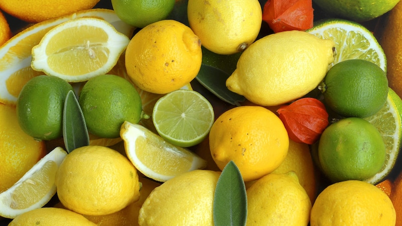 Zitronen und Limetten unterscheiden sich nicht nur in der Farbe.