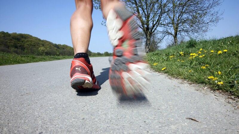 Zu einer guten Work-Life-Balance gehören auch ausreichend Bewegung und eine gesunde Ernährung.
