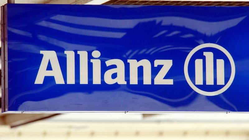 Sie können Ihre alte Versicherung bei Allianz Direct (ehemals AllSecur) einfach kündigen.