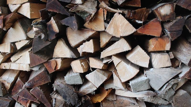 Holzheizung: Mit diesen Kosten müssen Sie rechnen