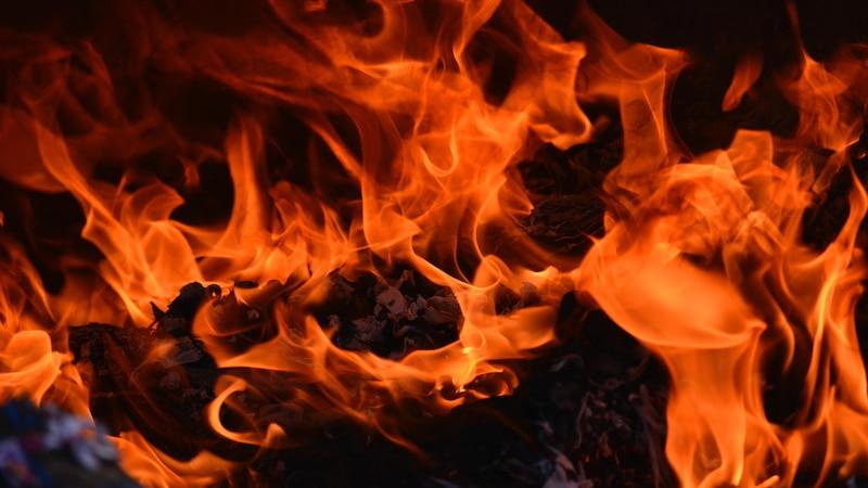 In Teufels Küche kommen - das möchte niemand. Dort ist es nach Vorstellungen der Bewohner des Mittelalters heiß und Sünder werden über offener Flamme gegrillt. Heute steht die Redewendung für Schwierigkeiten und negative Konsequenzen einer Handlung.