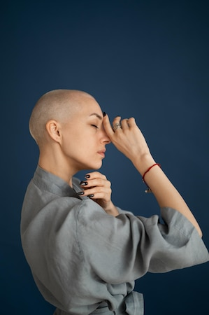 Indem Sie sich als Frau die Haare abrasieren, werden Sie lernen, sich selbst mit anderen Augen zu betrachten.