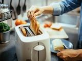 Mit dem Toaster gibt es immer knuspriges, geröstetes Brot.