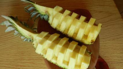 Ananas optisch aufpeppen