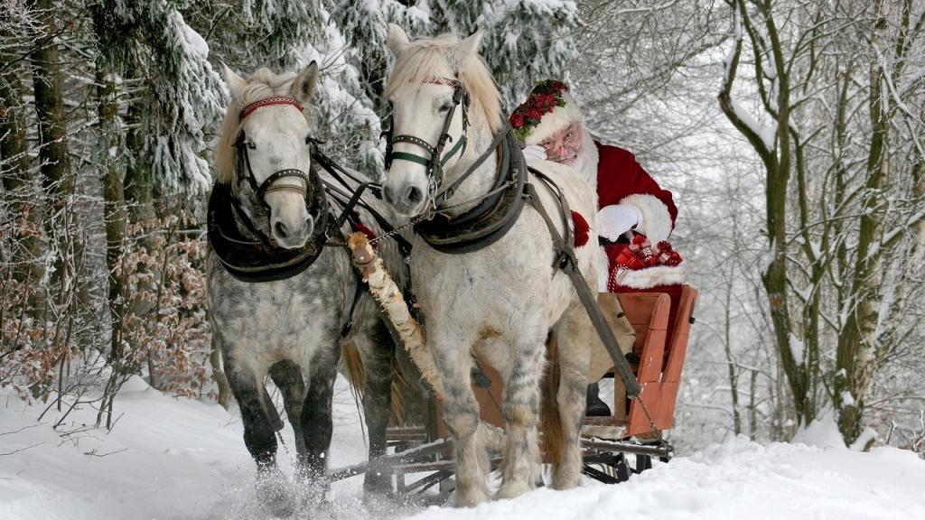 Christkind oder Weihnachtsmann? (Bild: Pixabay)