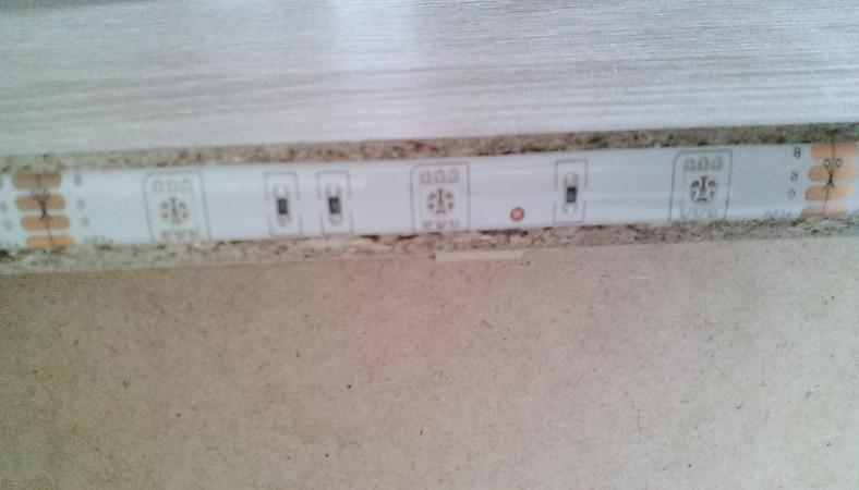 LED-Streifen mit zum Durchtrennen