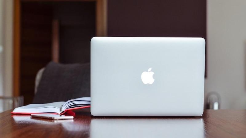 Mit dem MacBook scannen Sie über den Anschluss Ihres externen Drucker oder Scanner.