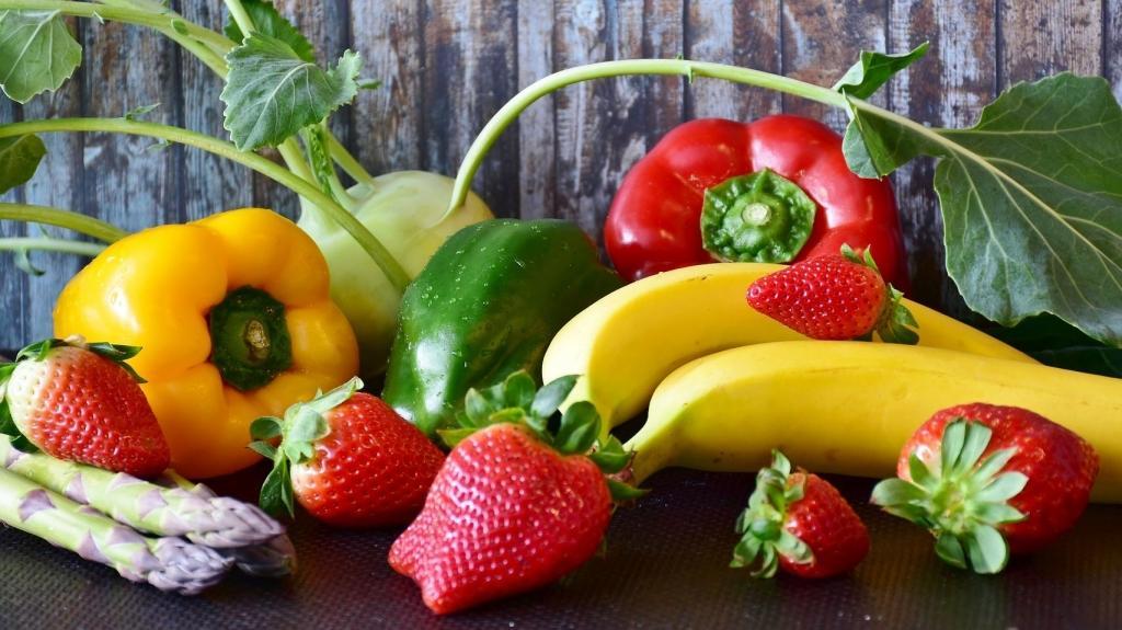 Obst und Gemüse: Wichtig bei cholesterinarmer Ernährung. (Bild: Pixabay)